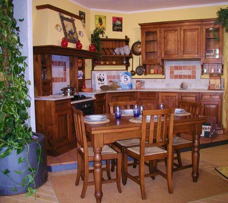Cucina della nonna pina lucca cucine artigianali for Cucina della nonna